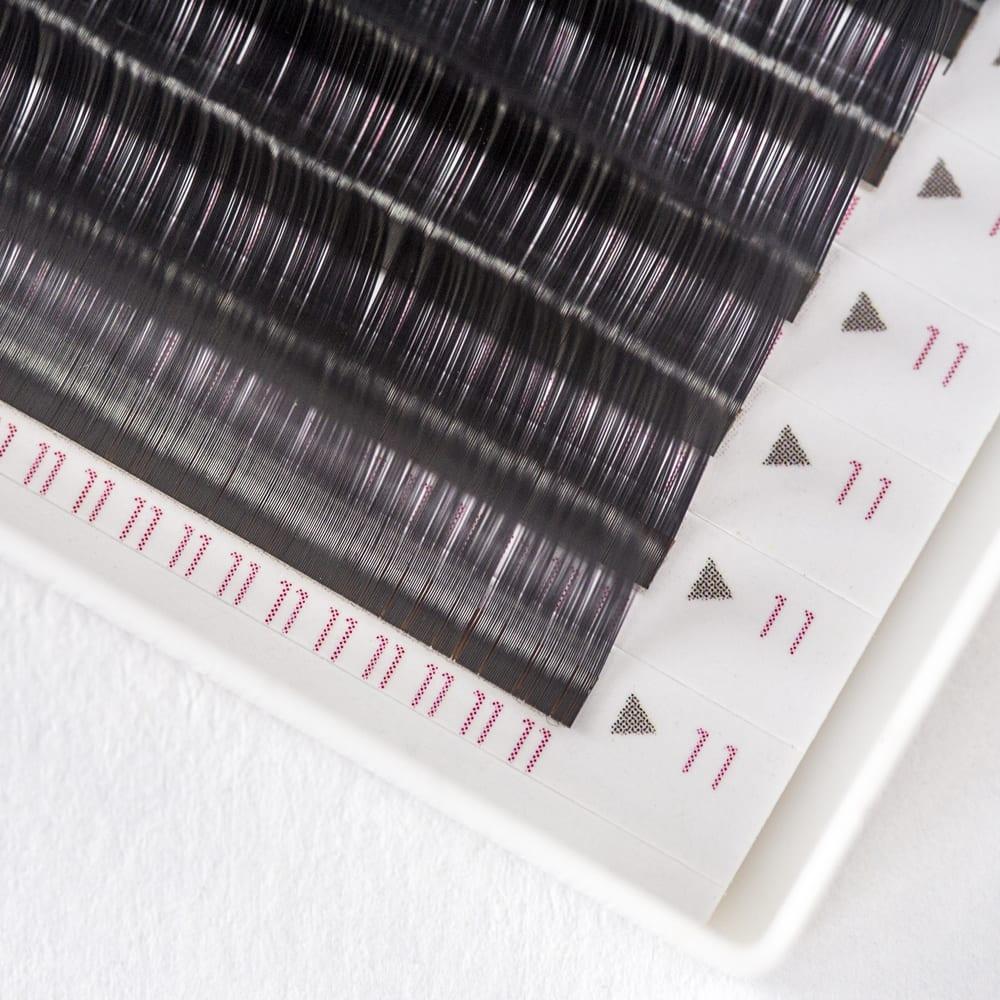 Silk  15 eyelash extensions